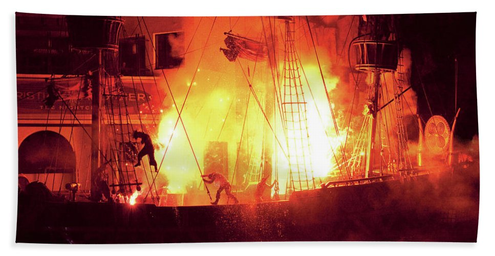 Savad Bath Sheet featuring the photograph City - Vegas - Treasure Island - Explosion Abandon Ship by Mike Savad