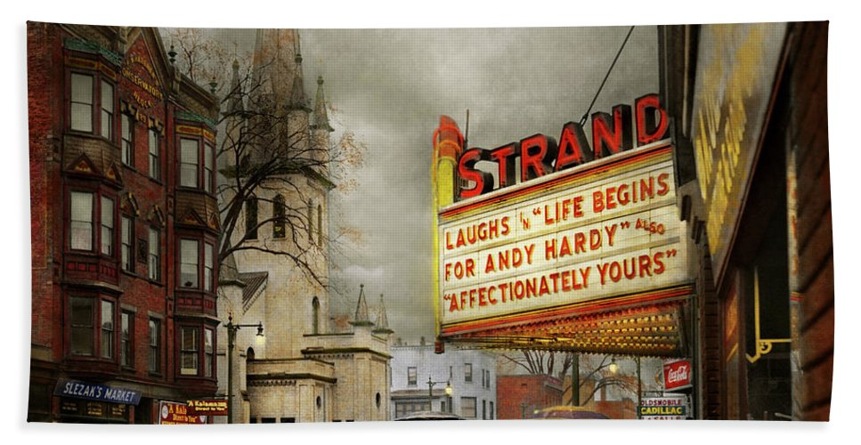 Amsterdam Ny Bath Towel featuring the photograph City - Amsterdam Ny - Life Begins 1941 by Mike Savad