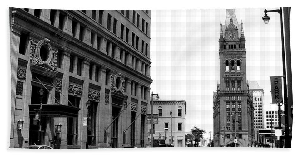 Milwaukee Bath Towel featuring the photograph City Hall B-w by Anita Burgermeister