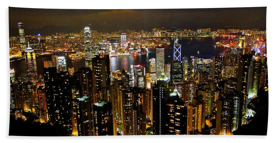 Hong Kong Hand Towel featuring the photograph City Of Lights by Blair Wainman