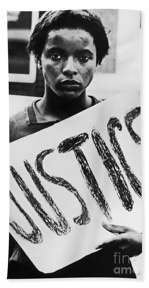 1960s Bath Towel featuring the photograph Civil Rights, 1961 by Granger