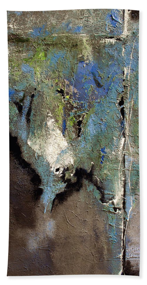 Abstract Hand Towel featuring the painting Clandestine by Ruth Palmer