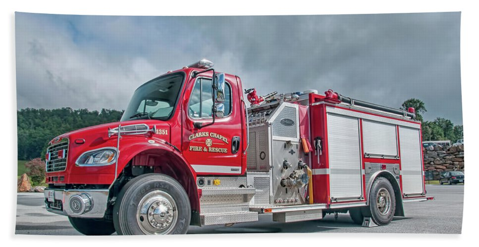 Clarks Hand Towel featuring the photograph Clarks Chapel Fire Rescue - Engine 1351, North Carolina by Timothy Wildey
