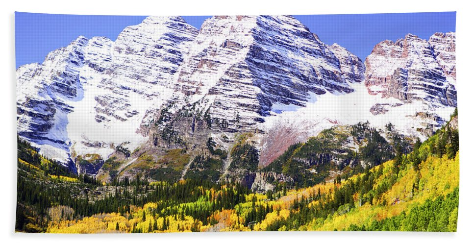 Americana Hand Towel featuring the photograph Classic Maroon Bells by Marilyn Hunt