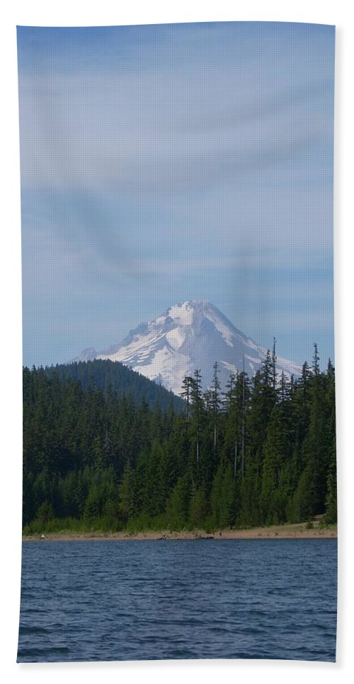 Lake Hand Towel featuring the photograph Clear Lake by Sara Stevenson