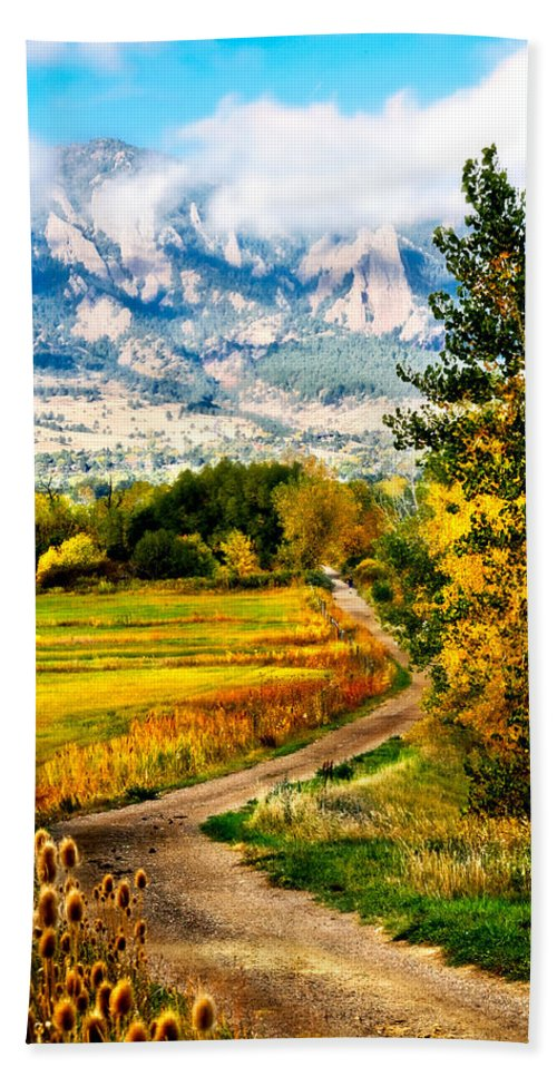 Americana Hand Towel featuring the photograph Clearly Colorado by Marilyn Hunt