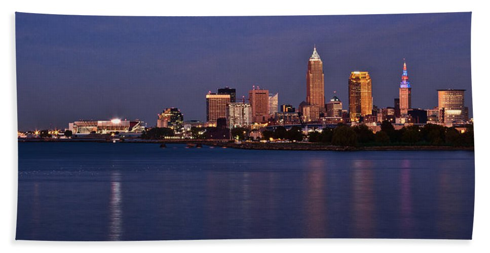 Cleveland Hand Towel featuring the photograph Cleveland Ohio by Dale Kincaid