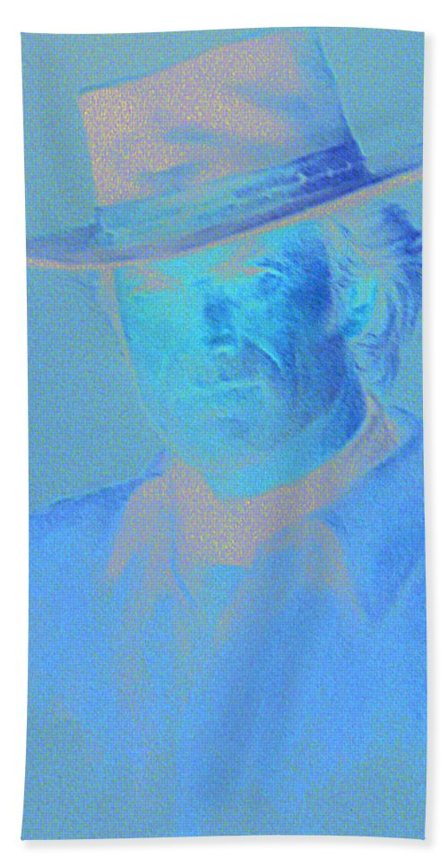 Clint Eastwood Portrait Bath Towel featuring the pastel Clint Eastwood by Charles Vernon Moran