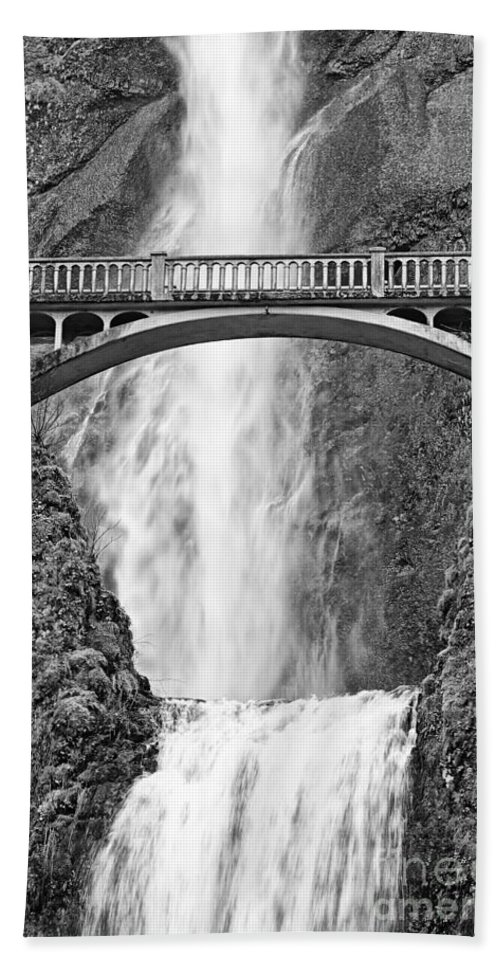 Waterfall Hand Towel featuring the photograph Close Up View Of Multnomah Falls by Jamie Pham