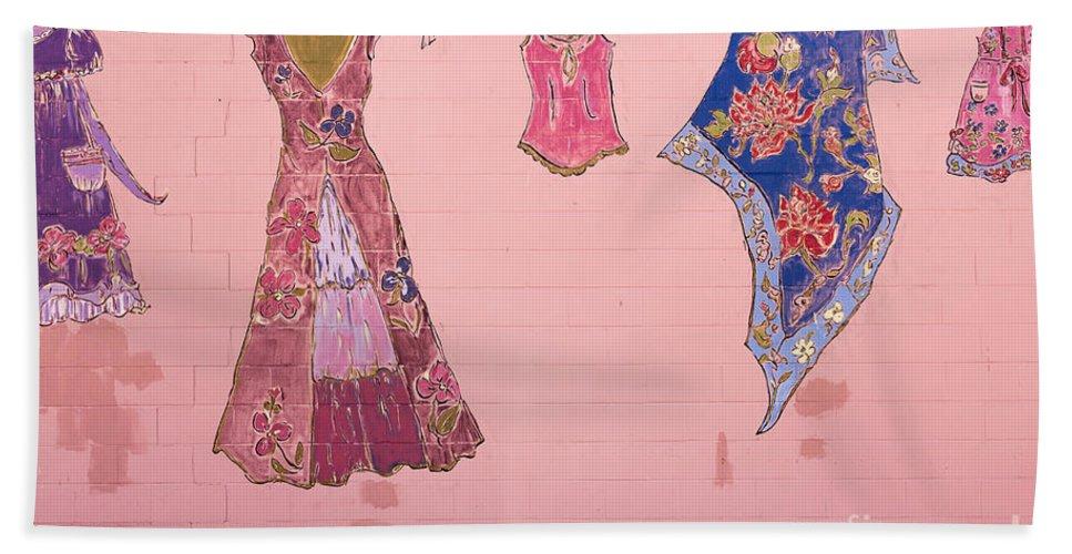 Dress Bath Sheet featuring the photograph Clothes Line Mural Burlington Vermont by Edward Fielding