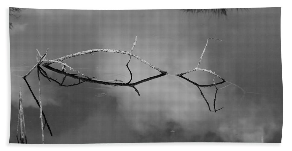 Black And White Hand Towel featuring the photograph Cloudy Bridge by Rob Hans