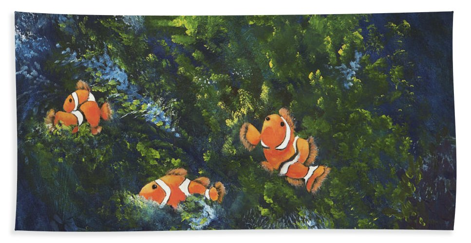 Clown Fish Bath Towel featuring the painting Clowning Around by Carol Sweetwood