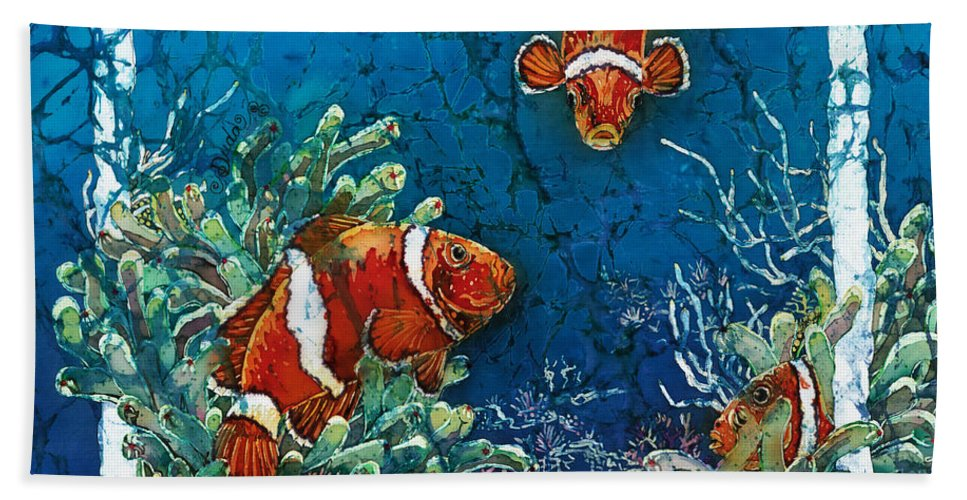 Ocean Hand Towel featuring the painting Clowning Around - Clownfish by Sue Duda