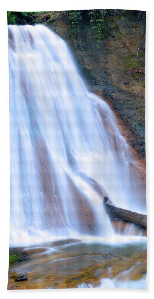 Bath Sheet featuring the photograph Coal Creek Falls by Brian O'Kelly
