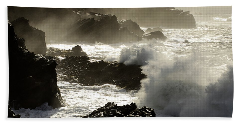 Lighthouse Hand Towel featuring the photograph Coastline Oregon by Bob Christopher