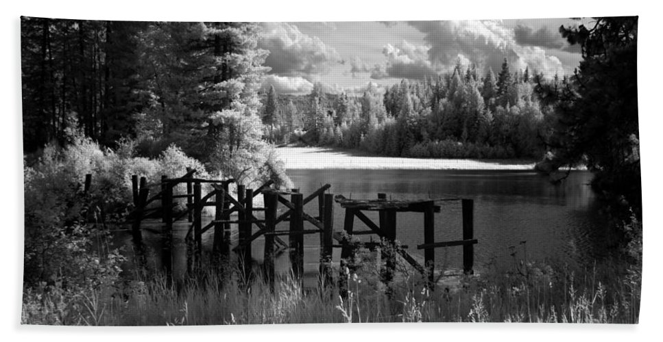 Hand Towel featuring the photograph Cocolala Creek Slough 2 by Lee Santa