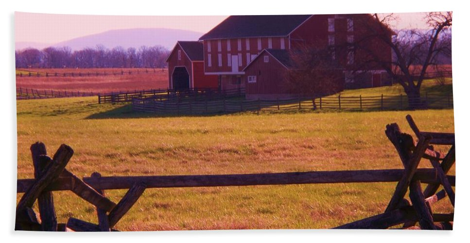 Codori Hand Towel featuring the photograph Codori Barn Gettysburg by Eric Schiabor