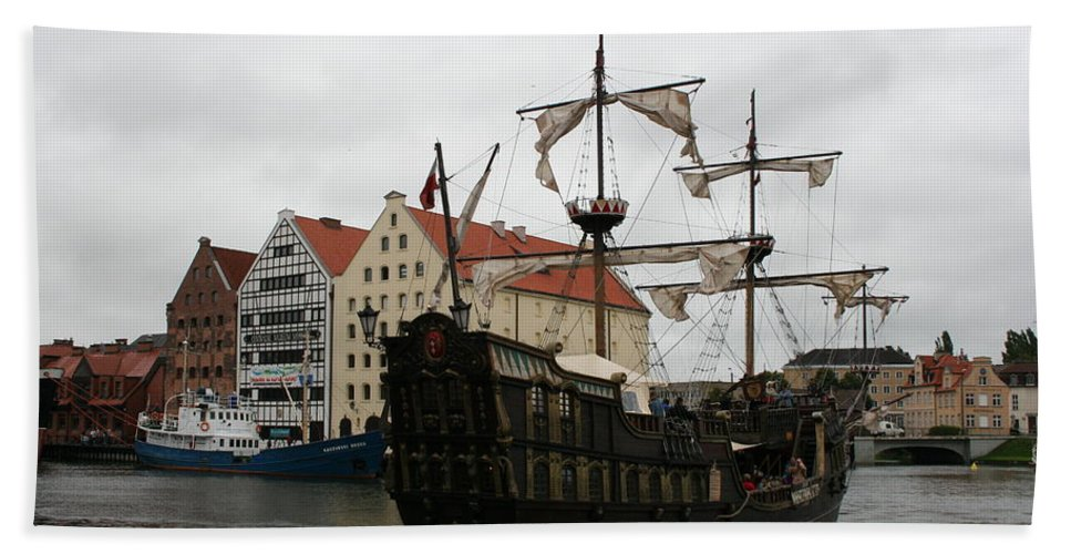 Ship Bath Sheet featuring the photograph Cog On Wotlawa River by Christiane Schulze Art And Photography
