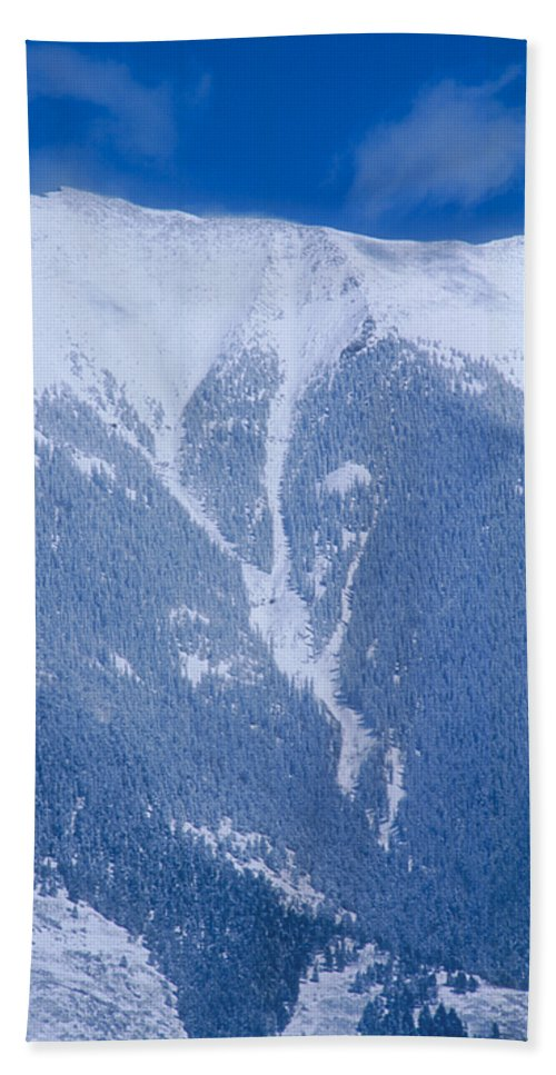 Mountain Hand Towel featuring the photograph Cold Mountain by Jerry McElroy