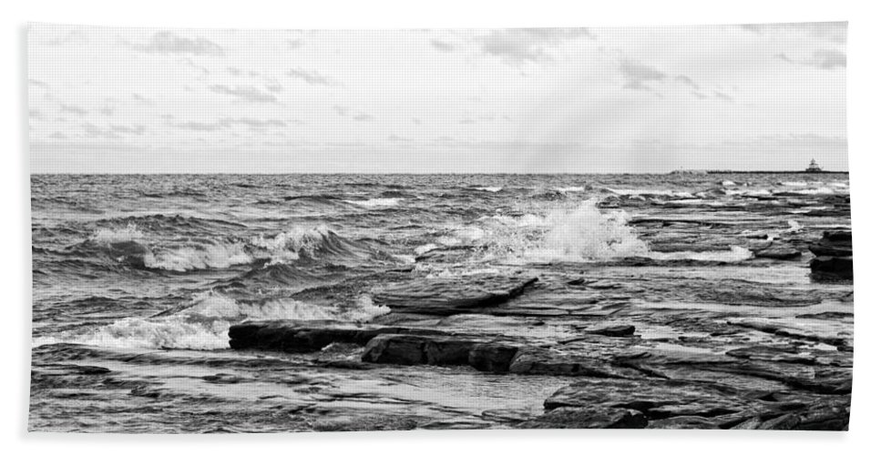 Ray Sheley Iii Hand Towel featuring the photograph Cold Shore by Ray Sheley