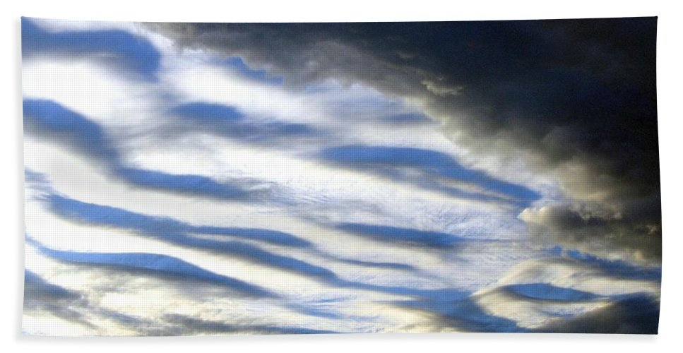 Storm Clouds Bath Towel featuring the photograph Collision by Will Borden