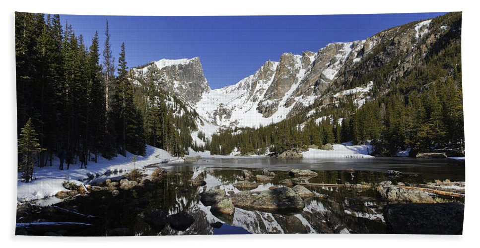 Horizontal Hand Towel featuring the photograph Colorado Reflections by Brian Kamprath