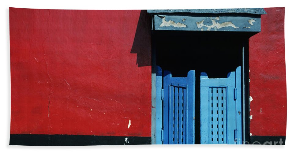 Architecture Bath Towel featuring the photograph Colorful Caribbean Door by Larry Dale Gordon - Printscapes