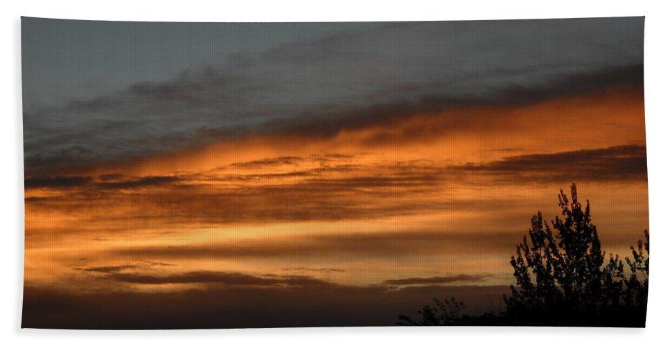 Dawn Bath Sheet featuring the photograph Colorful Clouds In Dawn Sky by Kent Lorentzen