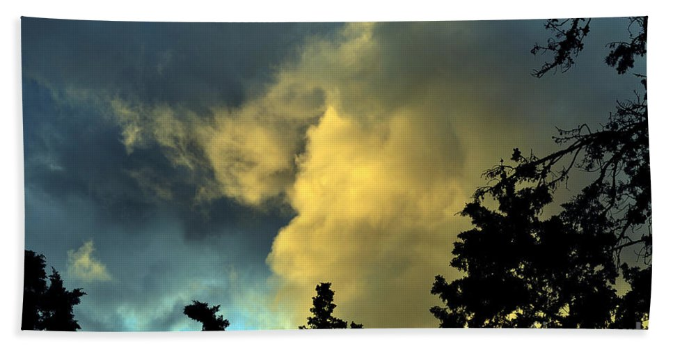Clay Hand Towel featuring the photograph Coloring Clouds by Clayton Bruster