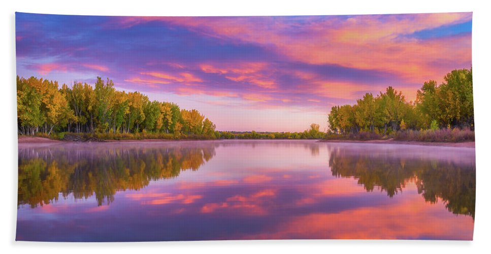 Chatfield Lake Bath Towel featuring the photograph Colors Of Chatfield by Darren White