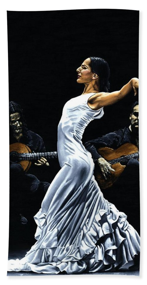Flamenco Bath Sheet featuring the painting Concentracion Del Funcionamiento Del Flamenco by Richard Young