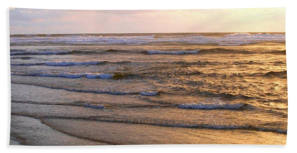 Sunset Hand Towel featuring the photograph Copper Shores by Will Borden