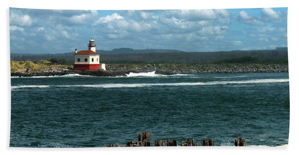 Lighthouse Bath Sheet featuring the photograph Coquille River Lighthouse by James Eddy