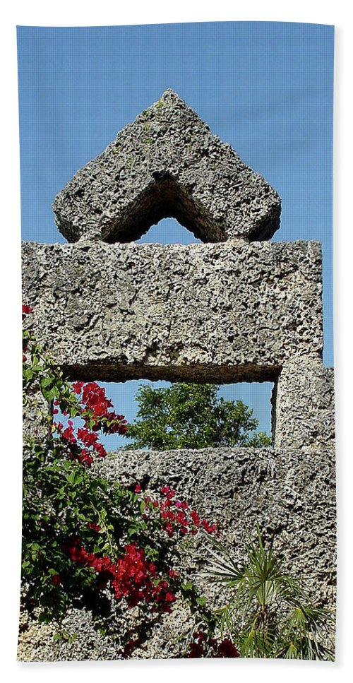 Sunlight Hand Towel featuring the photograph Coral Castle For Love by Shirley Heyn
