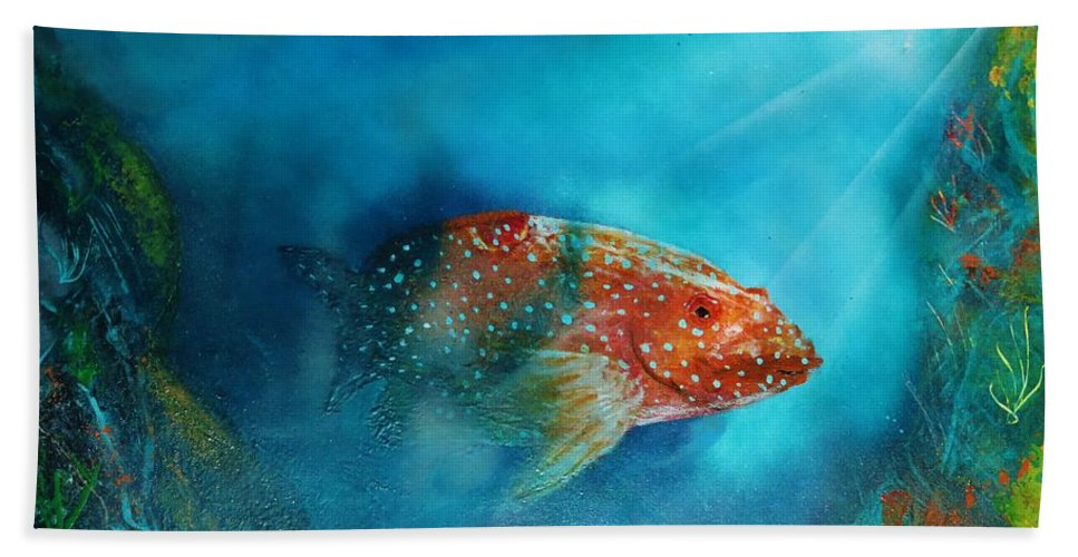 Hand Towel featuring the painting Coral Trout by Mario Carta