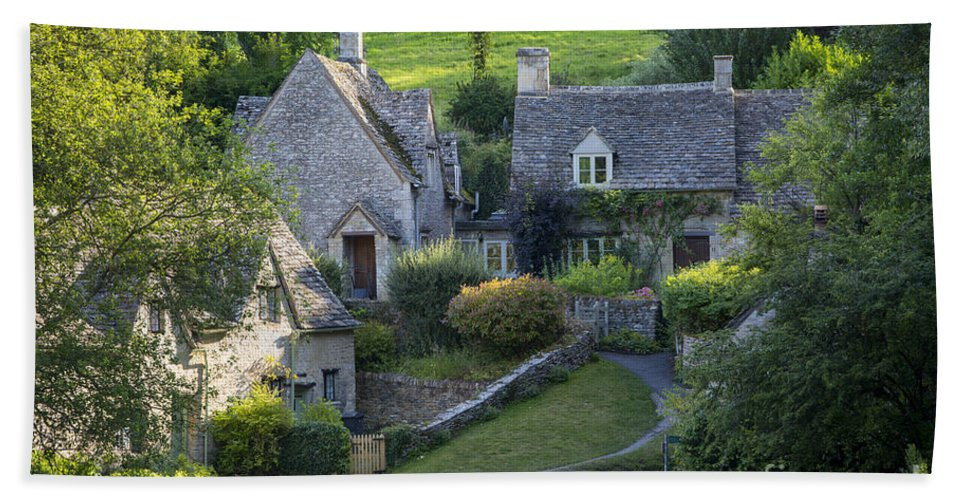 Arlington Row Hand Towel featuring the photograph Cotswold Cottages by Brian Jannsen