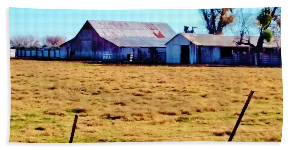 Red Barn Bath Sheet featuring the photograph Country Barn And Shed by Peggy Leyva Conley