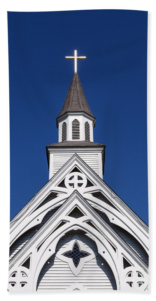 Connecticut Hand Towel featuring the photograph Country Church by John Greim