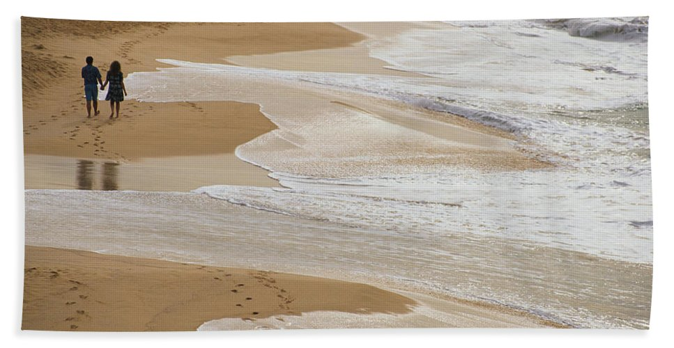 Photography Hand Towel featuring the photograph Couple Walking Makena Beach by Panoramic Images