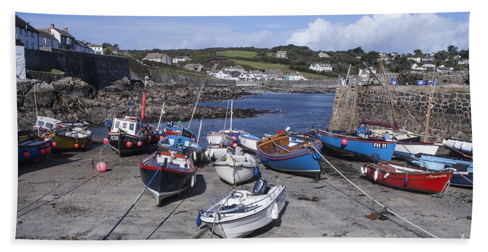 Coverack Harbour Bath Sheet featuring the photograph Coverack Harbour Cornwall by Ann Garrett