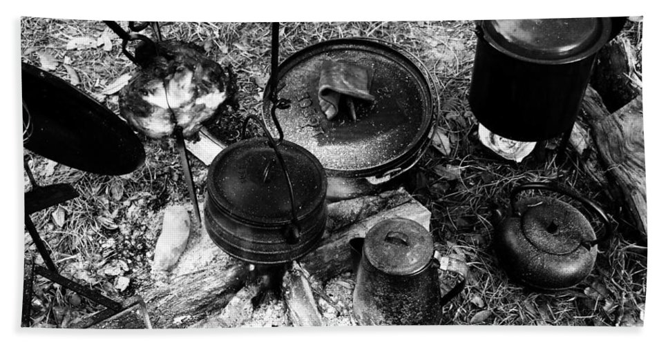 Cooking Bath Towel featuring the photograph Cowboy Cooking by David Lee Thompson