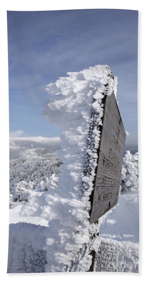 Hike Bath Towel featuring the photograph Crawford Path - White Mountains New Hampshire Usa by Erin Paul Donovan