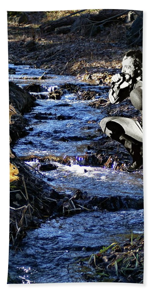 Jethro Tull Hand Towel featuring the photograph Creekside Serenade By Ian by Ben Upham