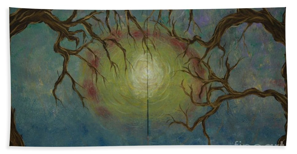 Tree Bath Sheet featuring the painting Creeping by Jacqueline Athmann
