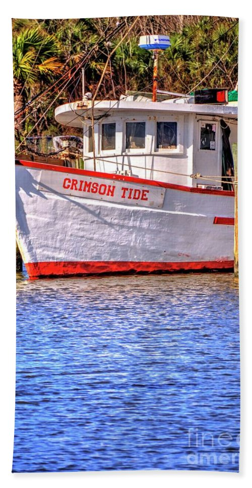 Crimson Hand Towel featuring the photograph Crimson Tide by Paul Lindner