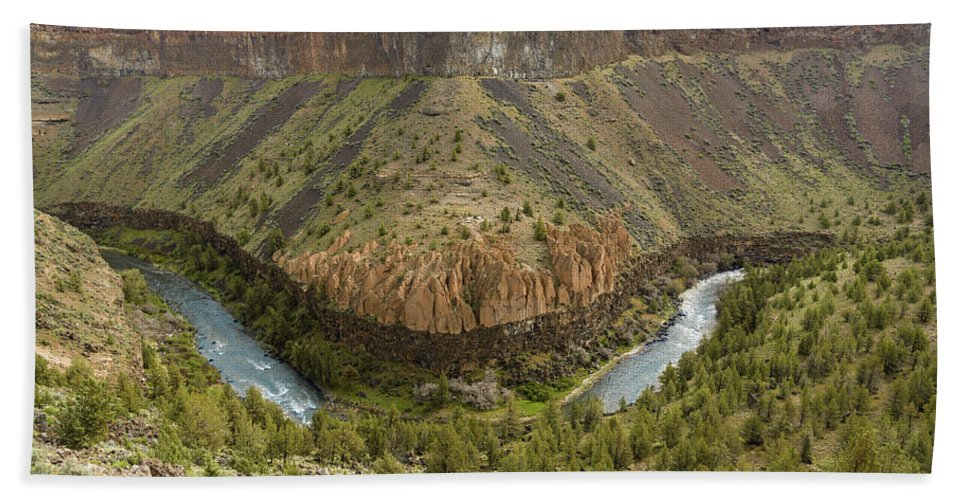 Crooked River Hand Towel featuring the photograph Crooked River Gorge by Joe Hudspeth