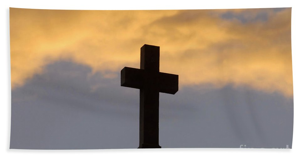 Cross Hand Towel featuring the photograph Cross And Sky by David Lee Thompson