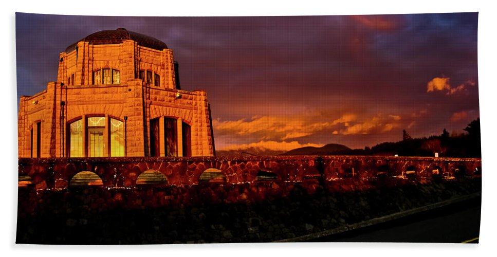 Vista House Bath Sheet featuring the photograph Crown Point At Sunset by Albert Seger