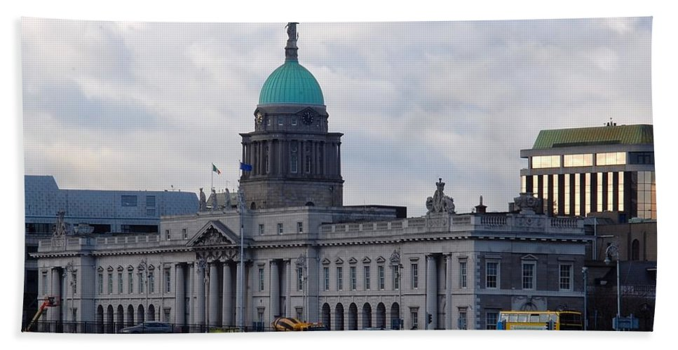 Custom House Bath Sheet featuring the photograph Custom House by John Hughes