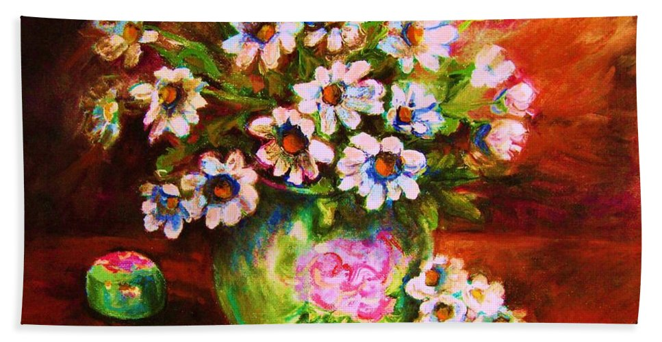 Daisies Hand Towel featuring the painting Daisies And Ginger Jar by Carole Spandau